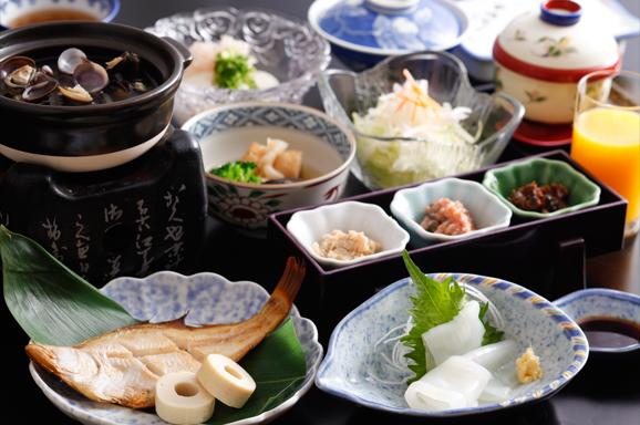 地元の食材を使用したこだわりの朝食 Specialty Breakfast