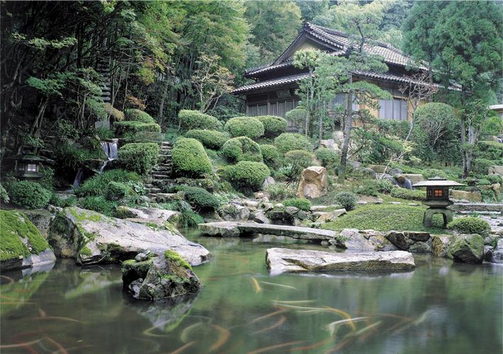 日本庭園 依水苑